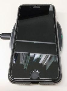 iPhone SEを置いた状態