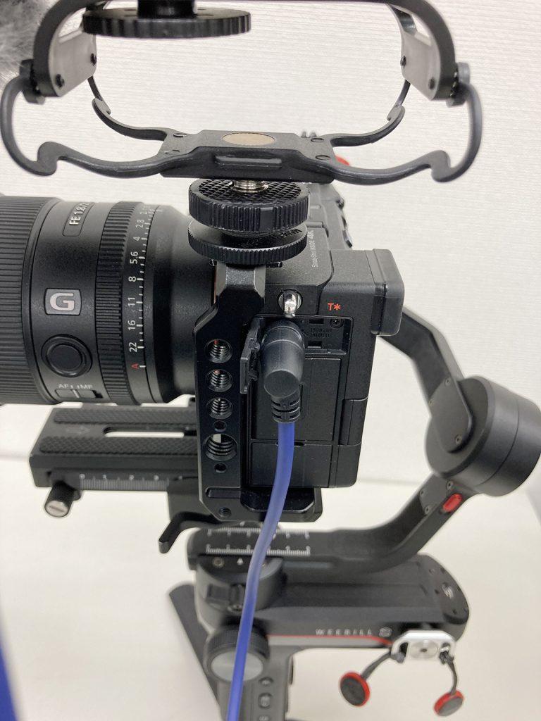 Sony A7Cカメラとケージ
